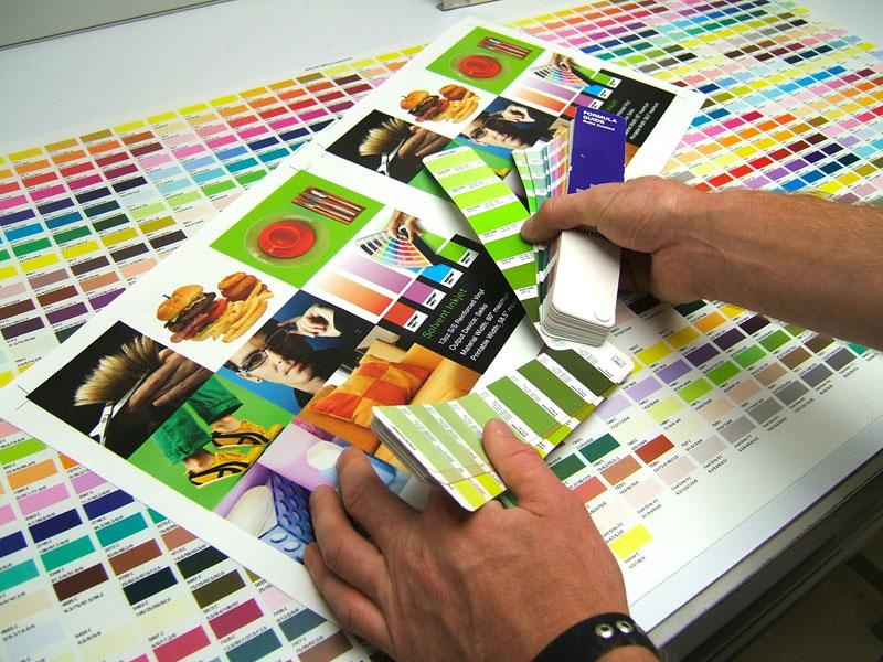 برگزاری کارگاه های نیمه خصوصی پروژه محور آموزش مدیریت رنگ در نرم افزار