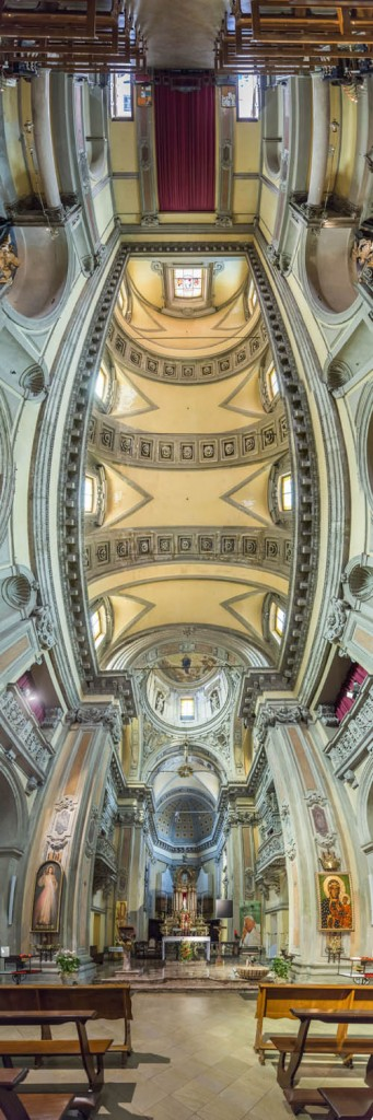 عکاسی پانوراما در کلیسا