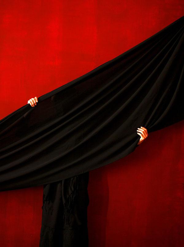 انتشار آثار عکاس ایرانی؛ فرزانه رادمهر در مجله Suplemento de Arte برزیل